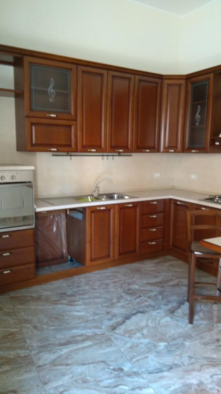 Monolocale in affitto - 150 mq