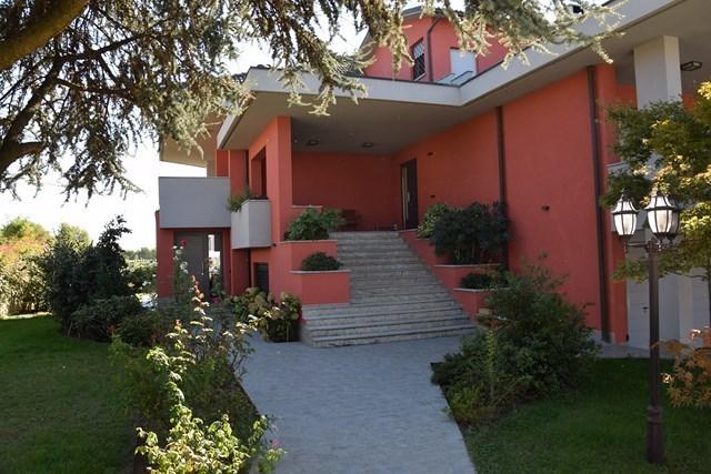 Villa in vendita a Bereguardo, 17 locali, prezzo € 780.000 | Cambio Casa.it