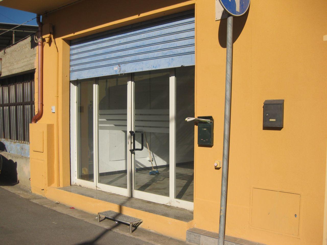 Negozio / Locale in affitto a Uta, 1 locali, prezzo € 400 | Cambio Casa.it