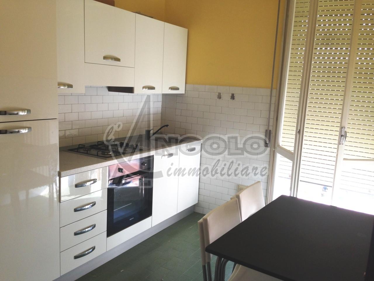 Appartamento in vendita a Occhiobello, 4 locali, prezzo € 35.000 | Cambio Casa.it
