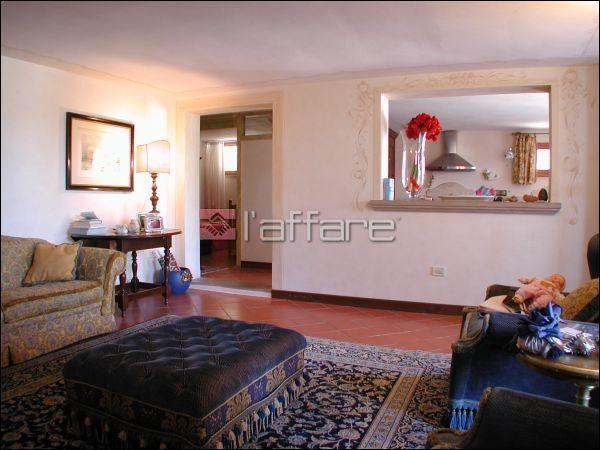 Villa in vendita a Capannoli, 8 locali, Trattative riservate | CambioCasa.it