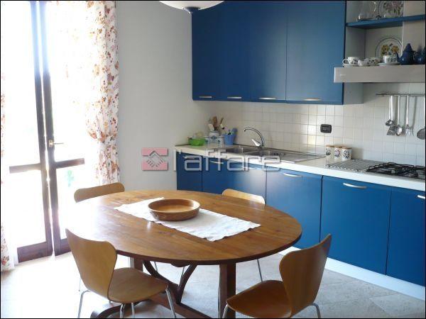 Villa in vendita a Crespina Lorenzana, 6 locali, prezzo € 450.000 | Cambio Casa.it