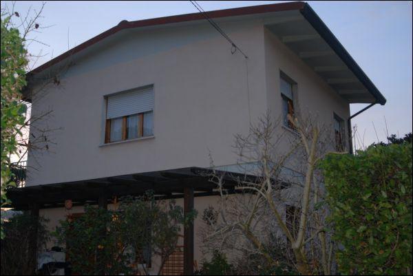 vendita villa forte dei marmi   1400000 euro  6 locali  120 mq