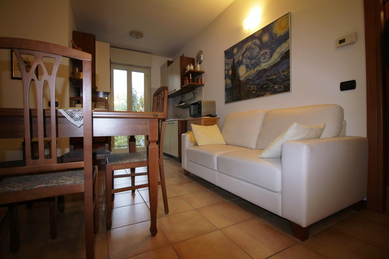 Bilocale Arona Via San Luigi  99 7