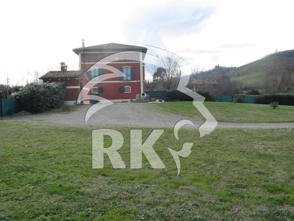 Villa in affitto a Sasso Marconi, 4 locali, prezzo € 2.000 | CambioCasa.it