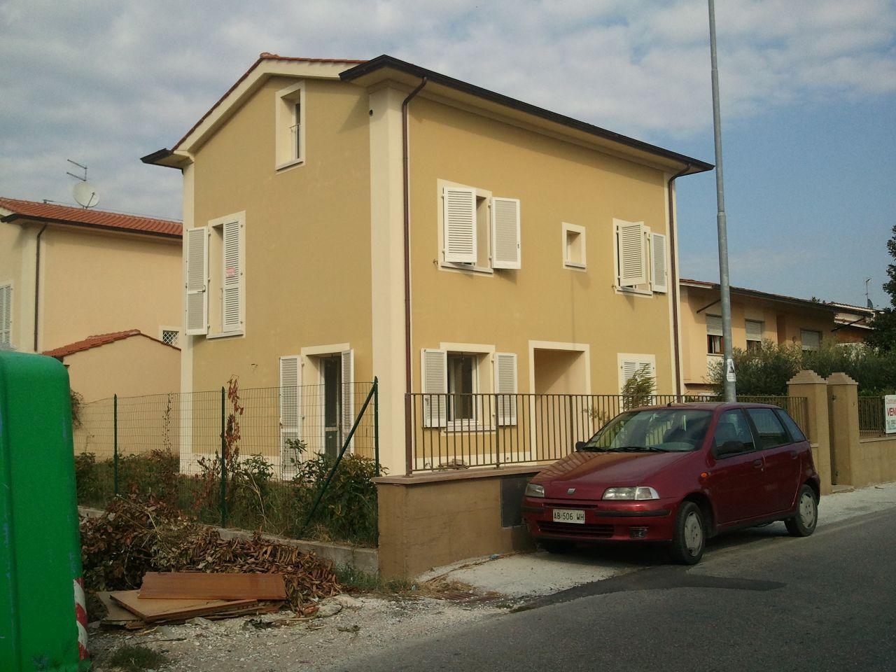 Villa in vendita a Chiesina Uzzanese, 8 locali, prezzo € 395.000 | Cambio Casa.it