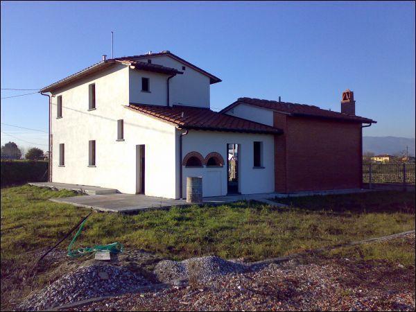 Rustico / Casale in vendita a Ponte Buggianese, 5 locali, prezzo € 230.000 | Cambio Casa.it