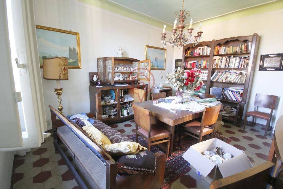 Attico / Mansarda in vendita a Lucca, 9 locali, prezzo € 350.000 | Cambio Casa.it