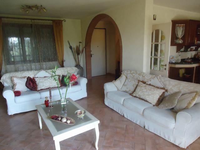 Soluzione Indipendente in vendita a Pontedera, 8 locali, prezzo € 600.000   Cambio Casa.it