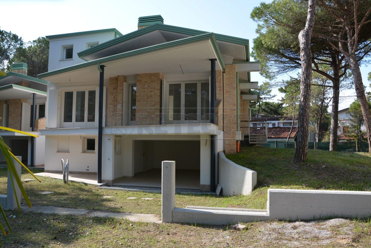 Villa in vendita a Lignano Sabbiadoro, 6 locali, prezzo € 748.000   Cambio Casa.it