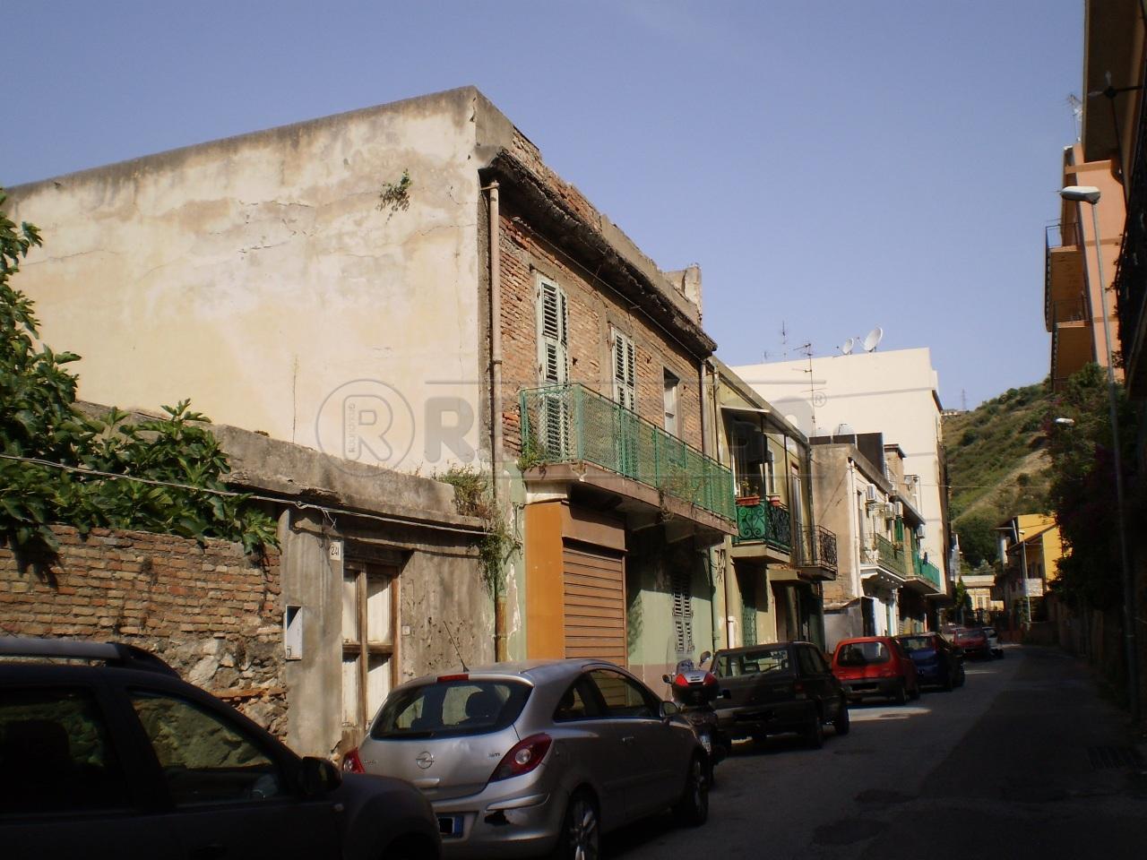 Soluzione Indipendente in vendita a Messina, 8 locali, prezzo € 95.000 | Cambio Casa.it