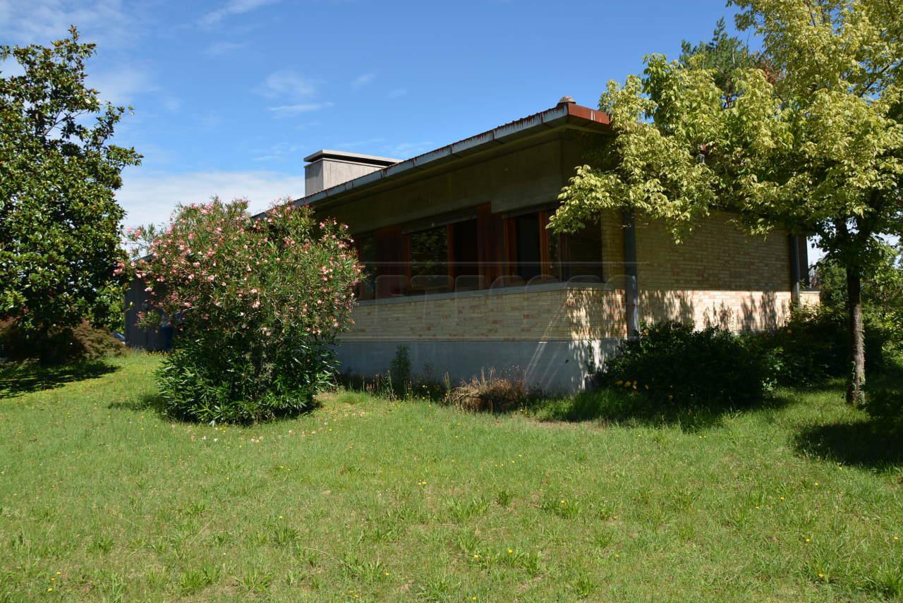 Villa in vendita a Palmanova, 10 locali, prezzo € 219.000 | Cambio Casa.it