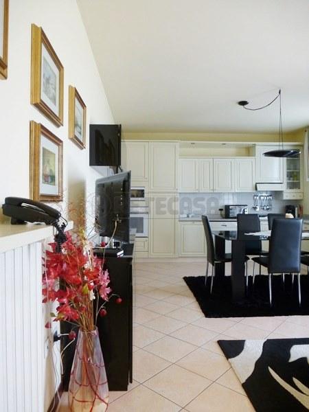 Appartamento in vendita a Camisano Vicentino, 5 locali, prezzo € 108.000 | Cambio Casa.it