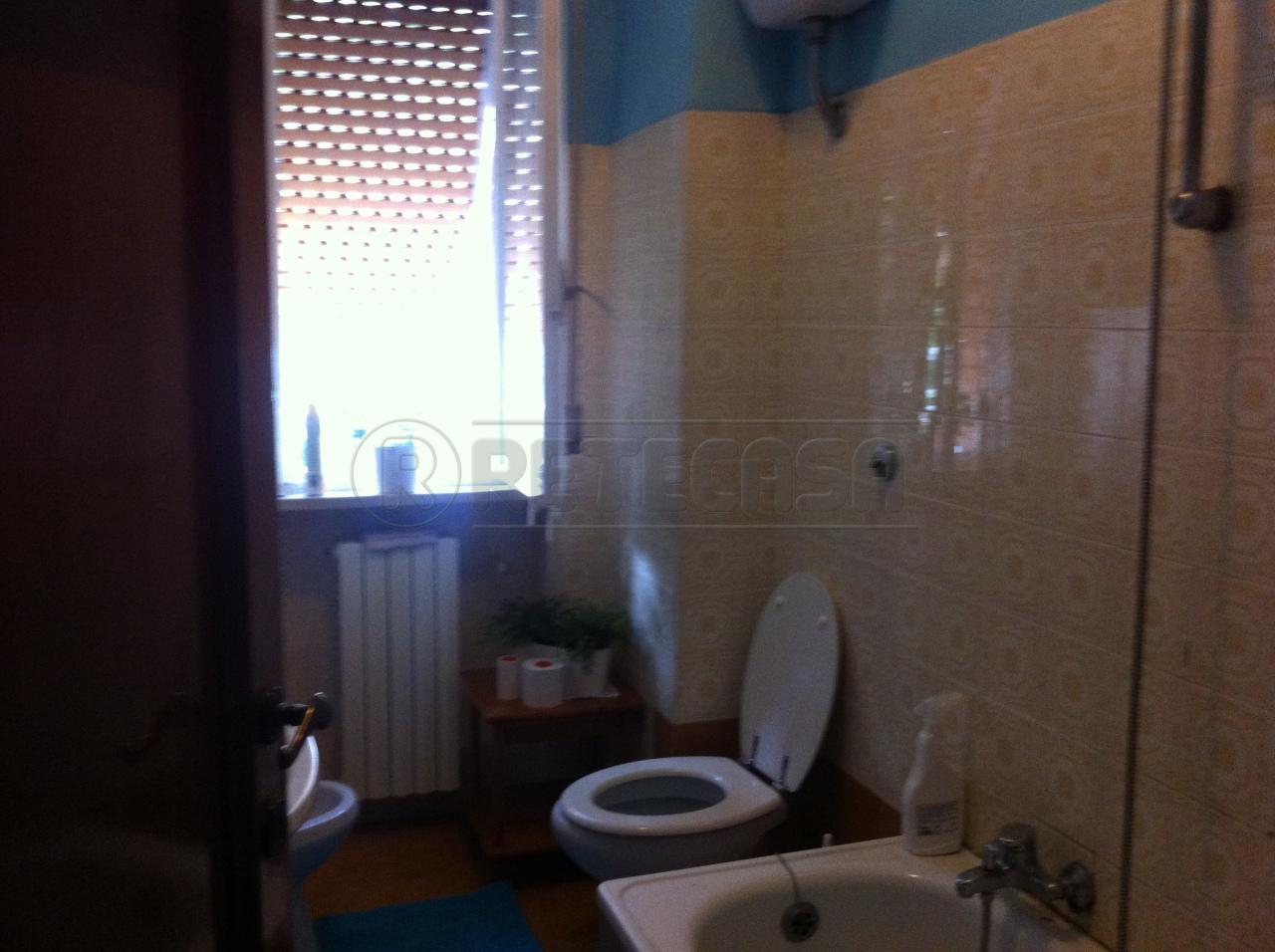 Bilocale Ancona Via Pesaro 9