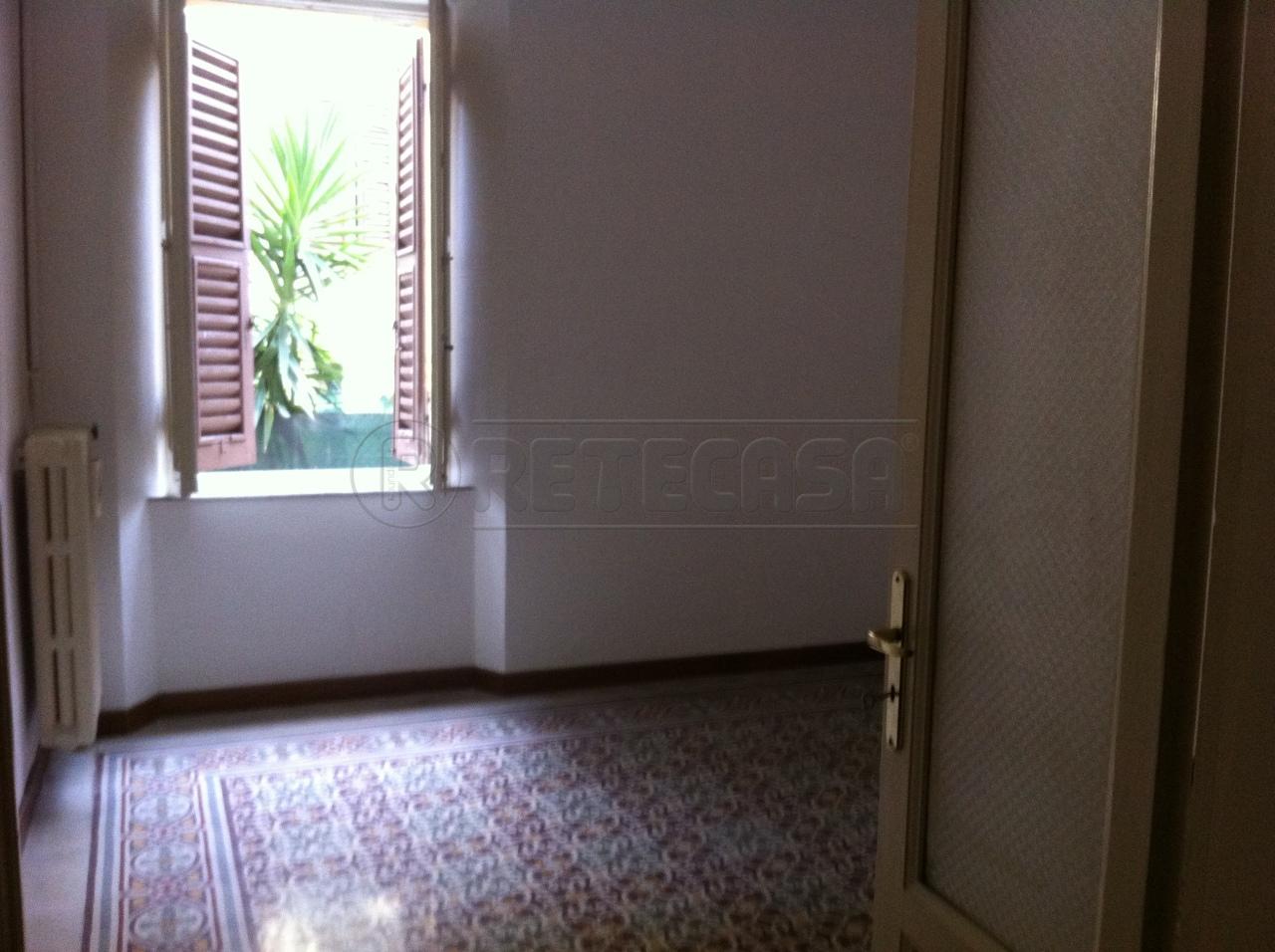 Bilocale Ancona Corso Amendola 8