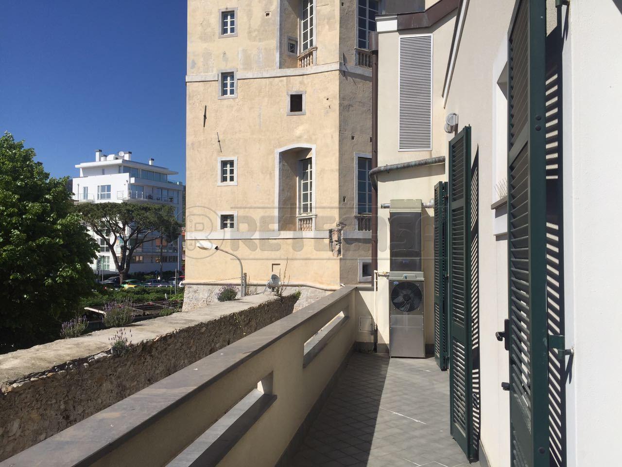Appartamento in vendita a Loano, 2 locali, prezzo € 315.000   Cambio Casa.it