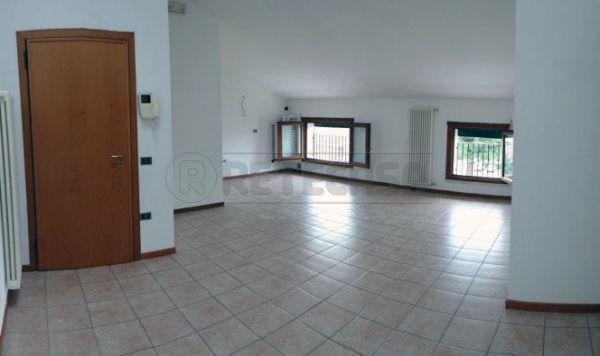 Bilocale Bolzano Vicentino Via Roma 52 1
