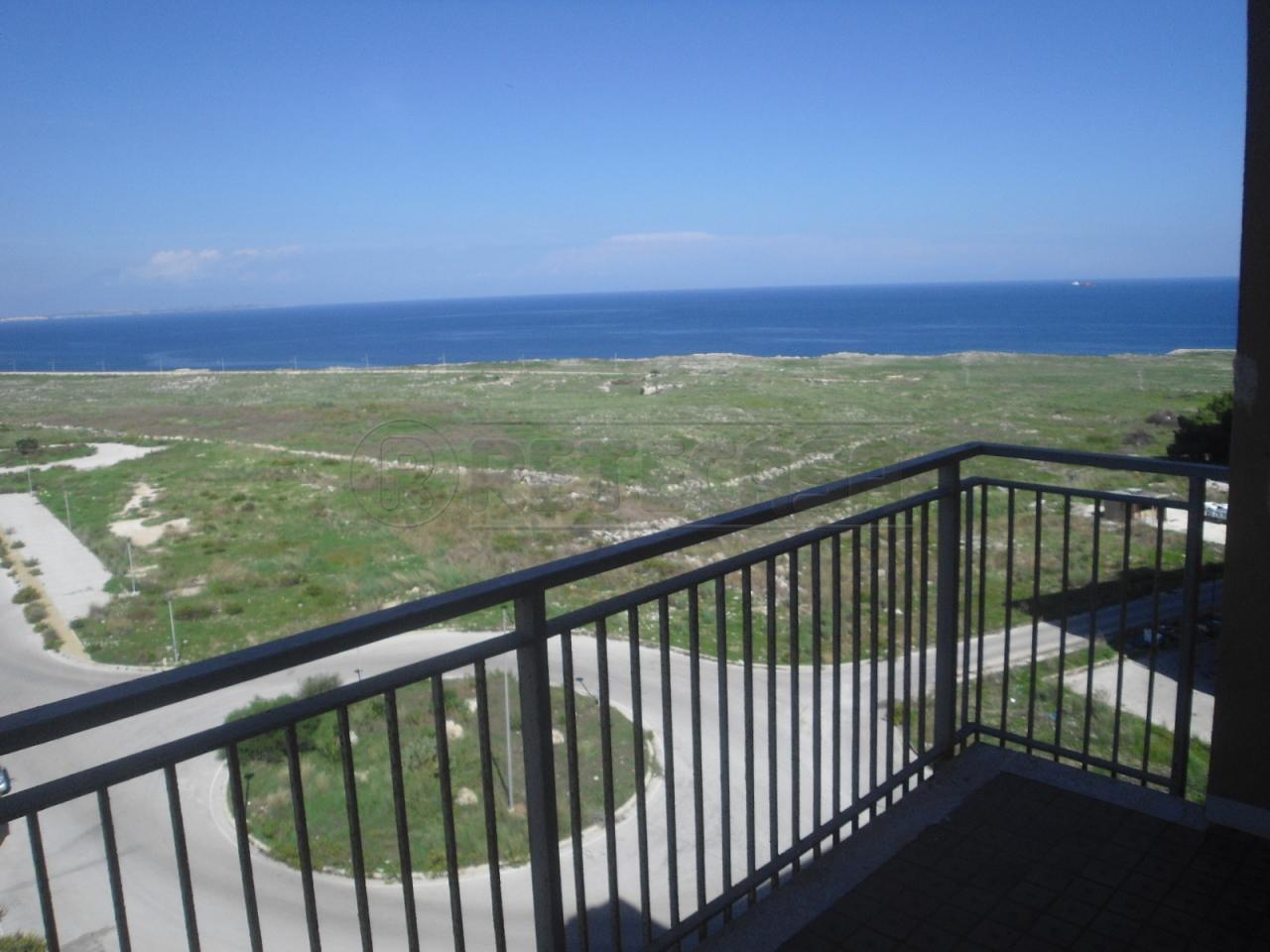 Appartamento in vendita a Siracusa, 5 locali, prezzo € 55.000 | Cambio Casa.it