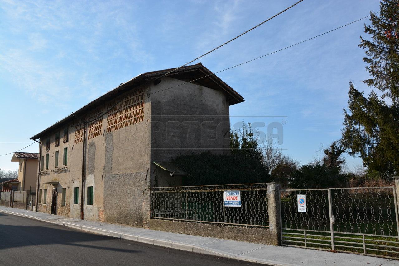 Rustico / Casale in vendita a San Vito al Torre, 7 locali, prezzo € 69.000 | Cambio Casa.it