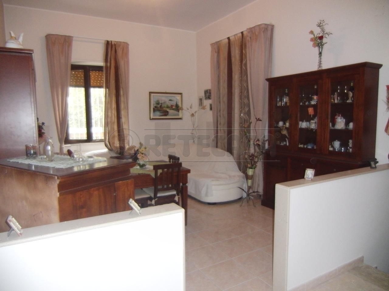 Villa in vendita a Siracusa, 6 locali, prezzo € 175.000 | Cambio Casa.it