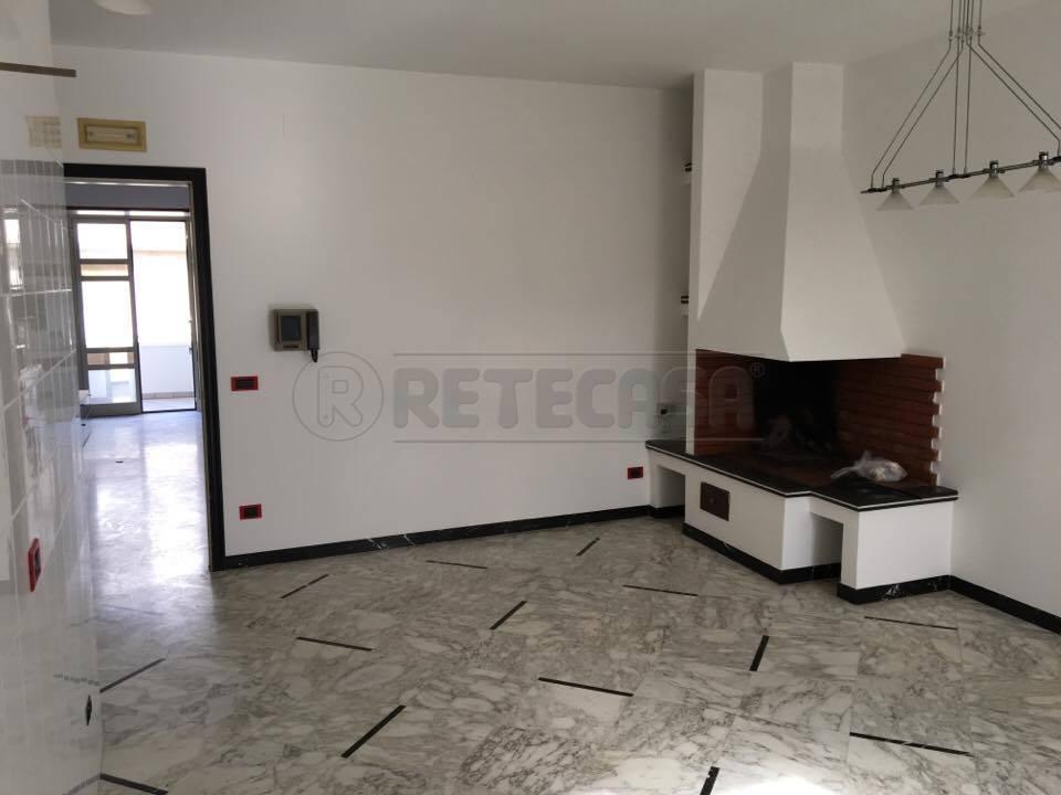 Appartamento in vendita a Nardò, 6 locali, prezzo € 130.000 | Cambio Casa.it