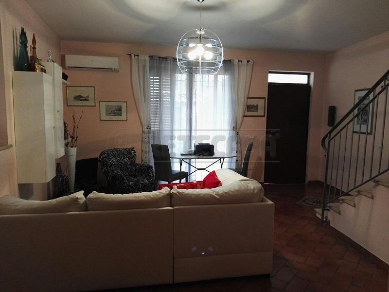 Villa a Schiera in affitto a Montoro, 4 locali, prezzo € 500 | Cambio Casa.it