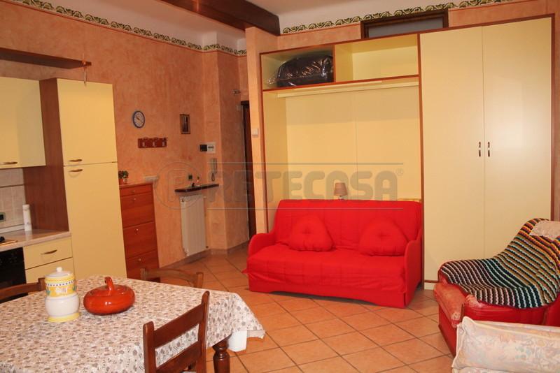 Appartamento in affitto a Loano, 2 locali, prezzo € 500   Cambio Casa.it