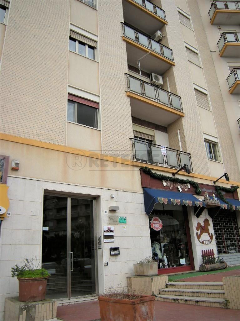Ufficio / Studio in affitto a Caltanissetta, 4 locali, prezzo € 450 | Cambio Casa.it