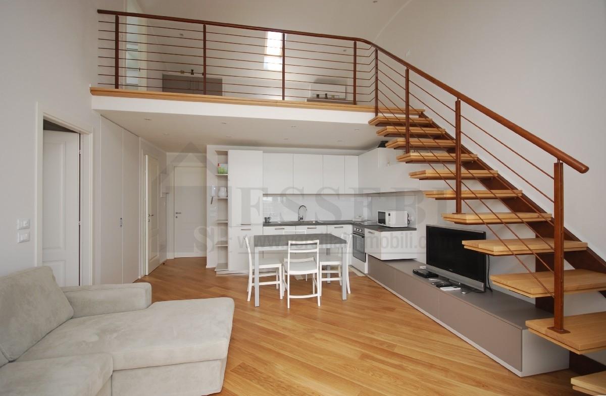 Appartamento in affitto a Pietrasanta, 4 locali, Trattative riservate | Cambio Casa.it