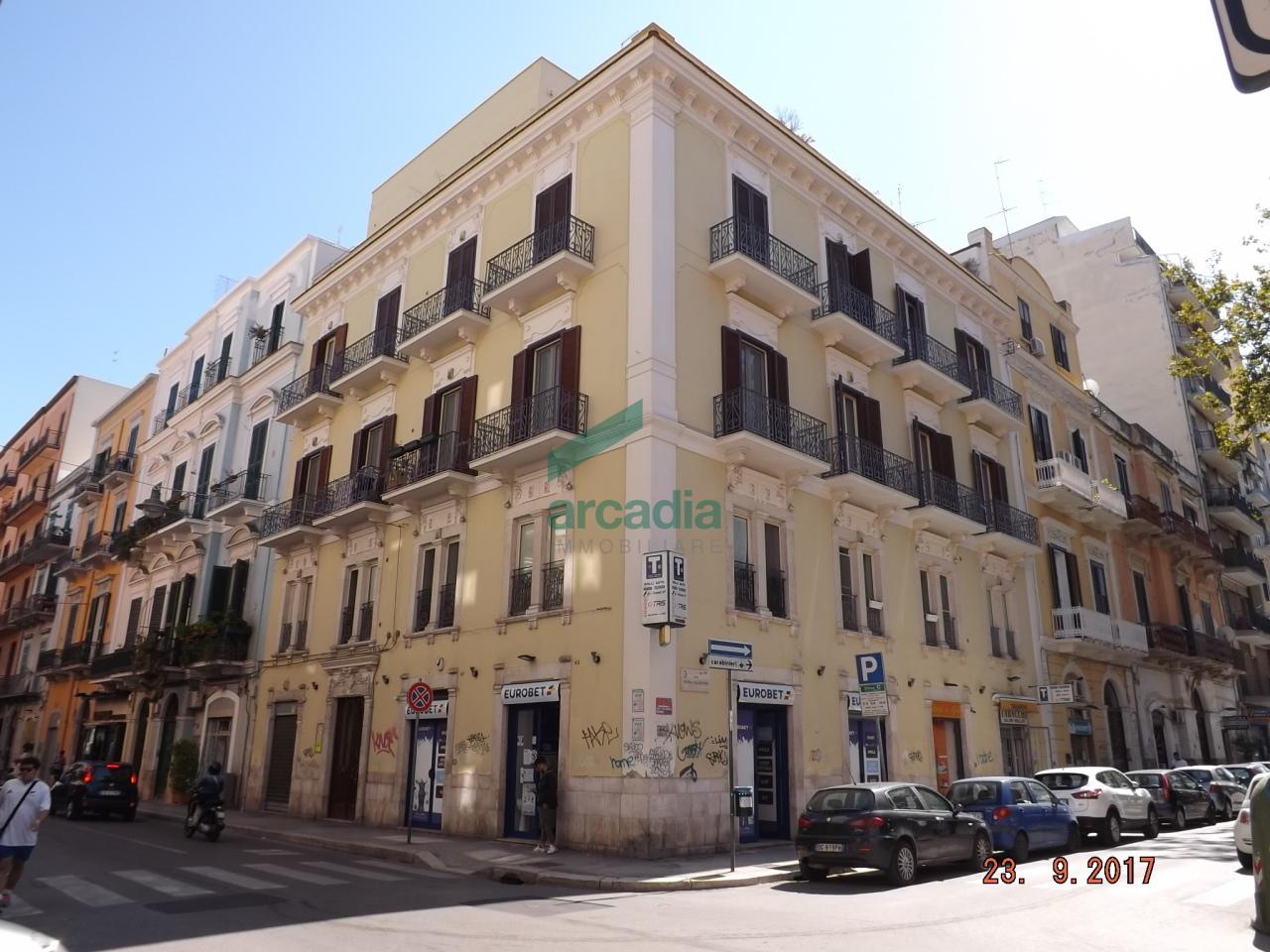 Attico / Mansarda in affitto a Bari, 4 locali, prezzo € 900 | CambioCasa.it