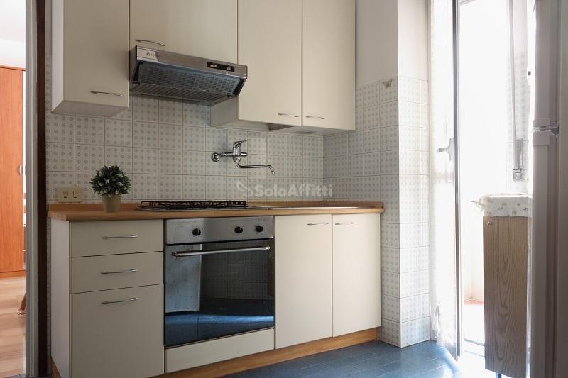 Affitto appartamento monolocale arredato 45 mq for Affitto bovisio masciago arredato