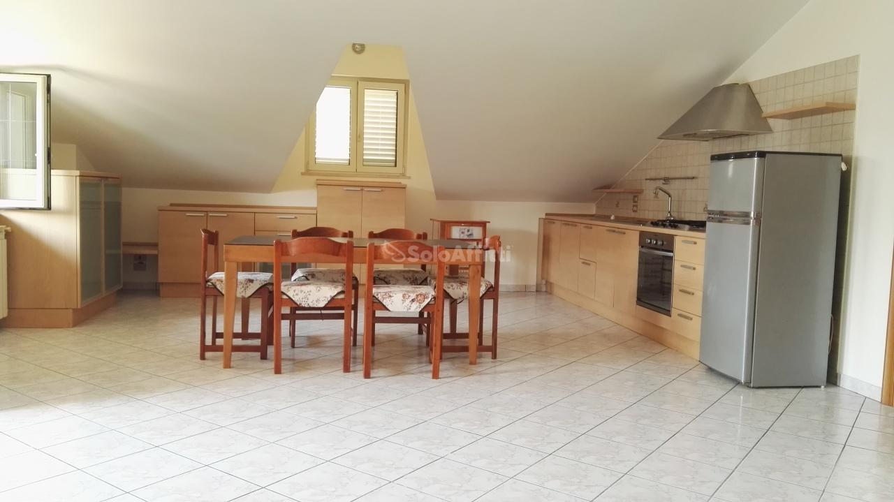 Appartamento in affitto a Montesilvano, 3 locali, prezzo € 400 | CambioCasa.it