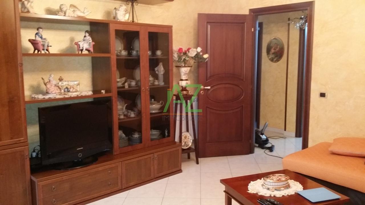 Appartamento in affitto a Camporotondo Etneo, 4 locali, prezzo € 500 | Cambio Casa.it