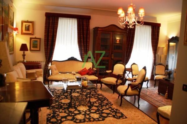 Appartamento in vendita a Siracusa, 7 locali, prezzo € 230.000 | Cambio Casa.it