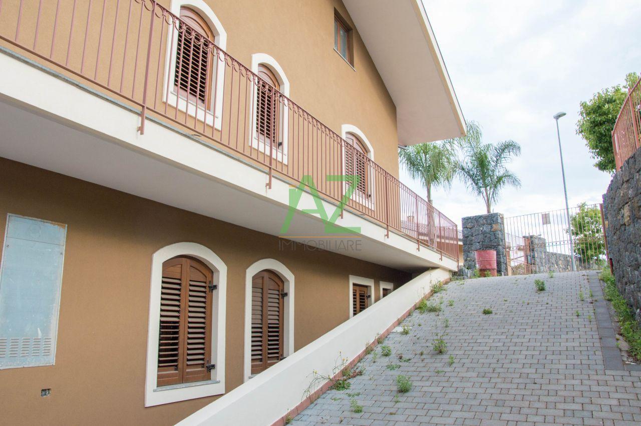 Villa in vendita a Aci Sant'Antonio, 5 locali, prezzo € 315.000   Cambio Casa.it