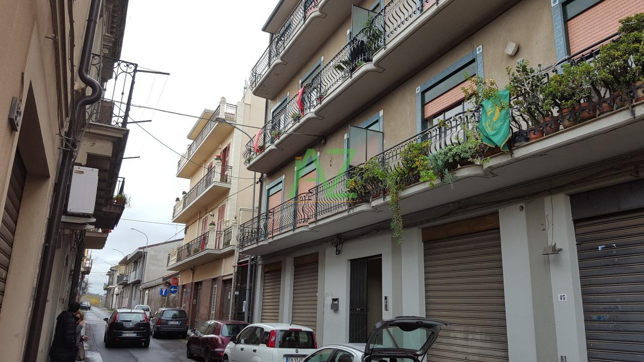 Appartamento in affitto a Belpasso, 5 locali, prezzo € 430 | Cambio Casa.it