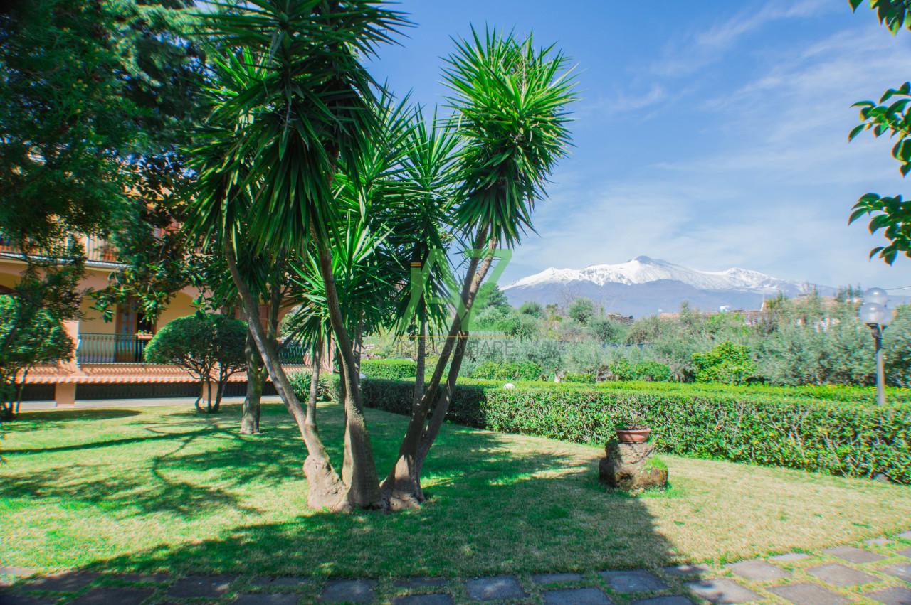 Villa in vendita a Acireale, 8 locali, prezzo € 600.000 | Cambio Casa.it