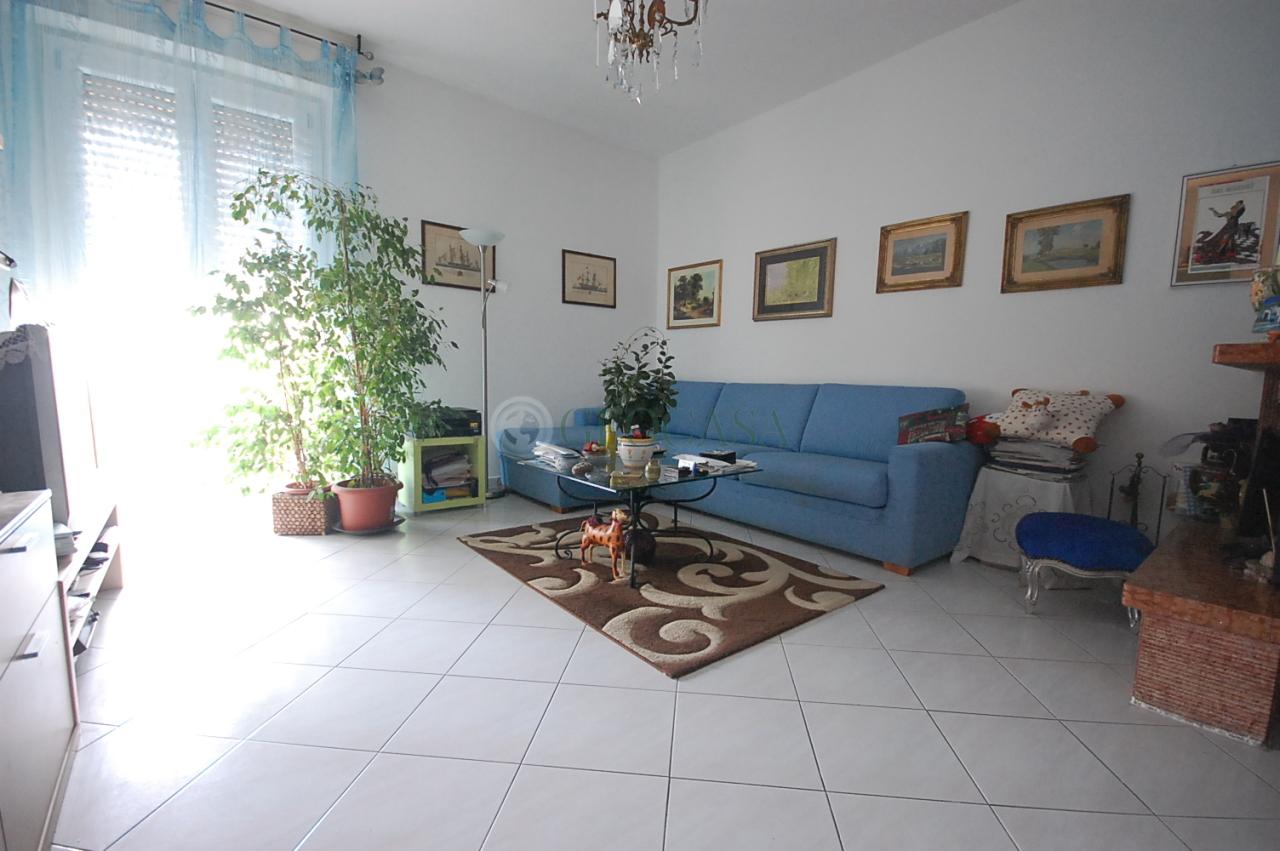 Appartamento in vendita a Santo Stefano di Magra, 3 locali, prezzo € 95.000 | CambioCasa.it