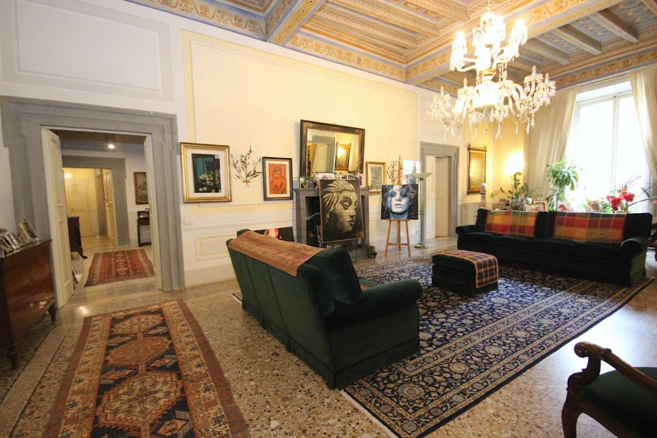 appartamento di pregio lucca centro storico IMG_34