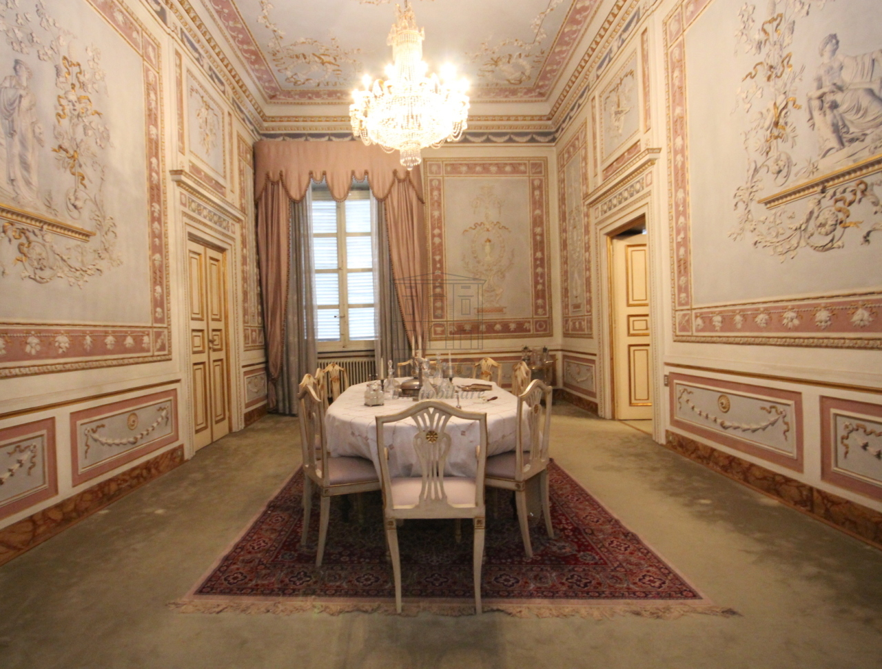 vendesi prestigioso appartamento centro storico lu