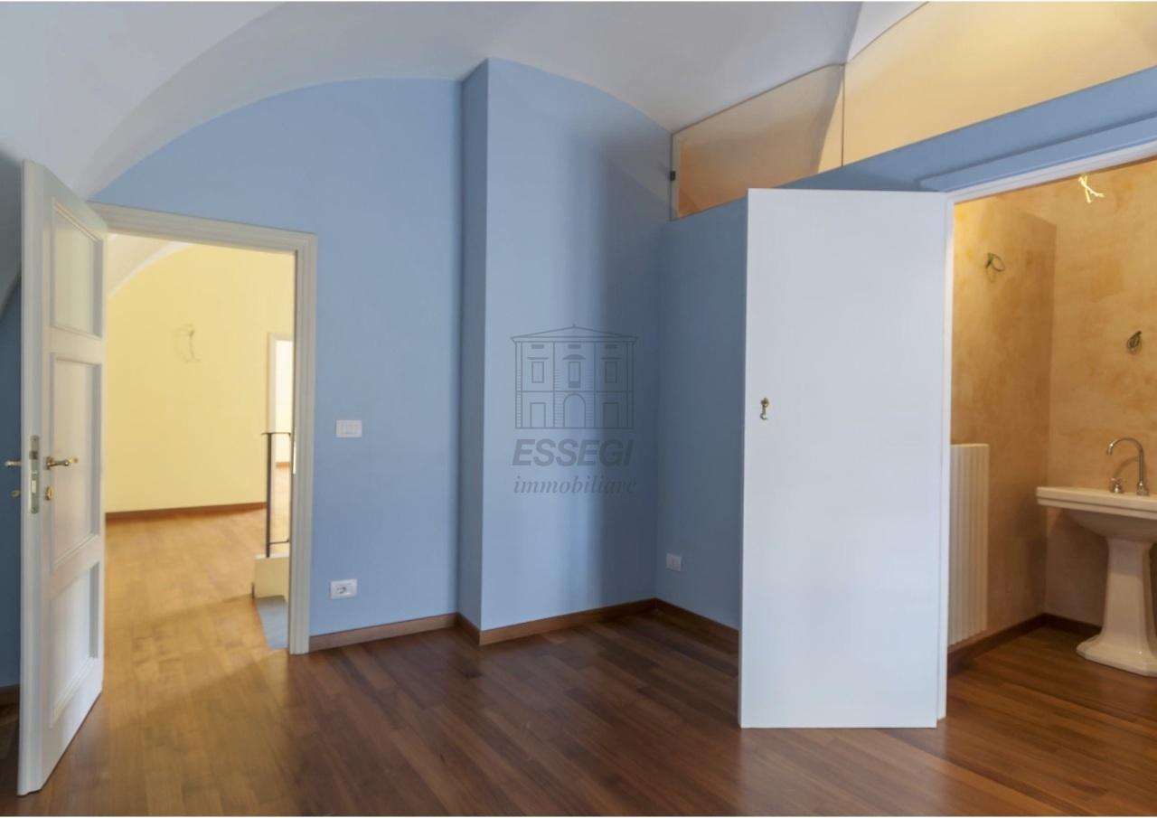 Appartamento Lucca Centro storico IA02854 img 4