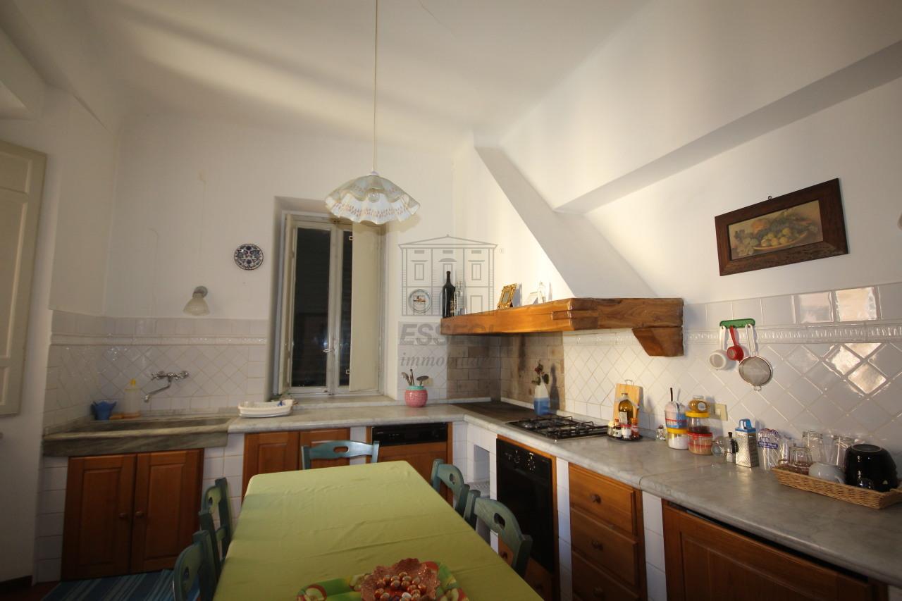 vendita appartamento lucca   295000 euro  5 locali  125 mq