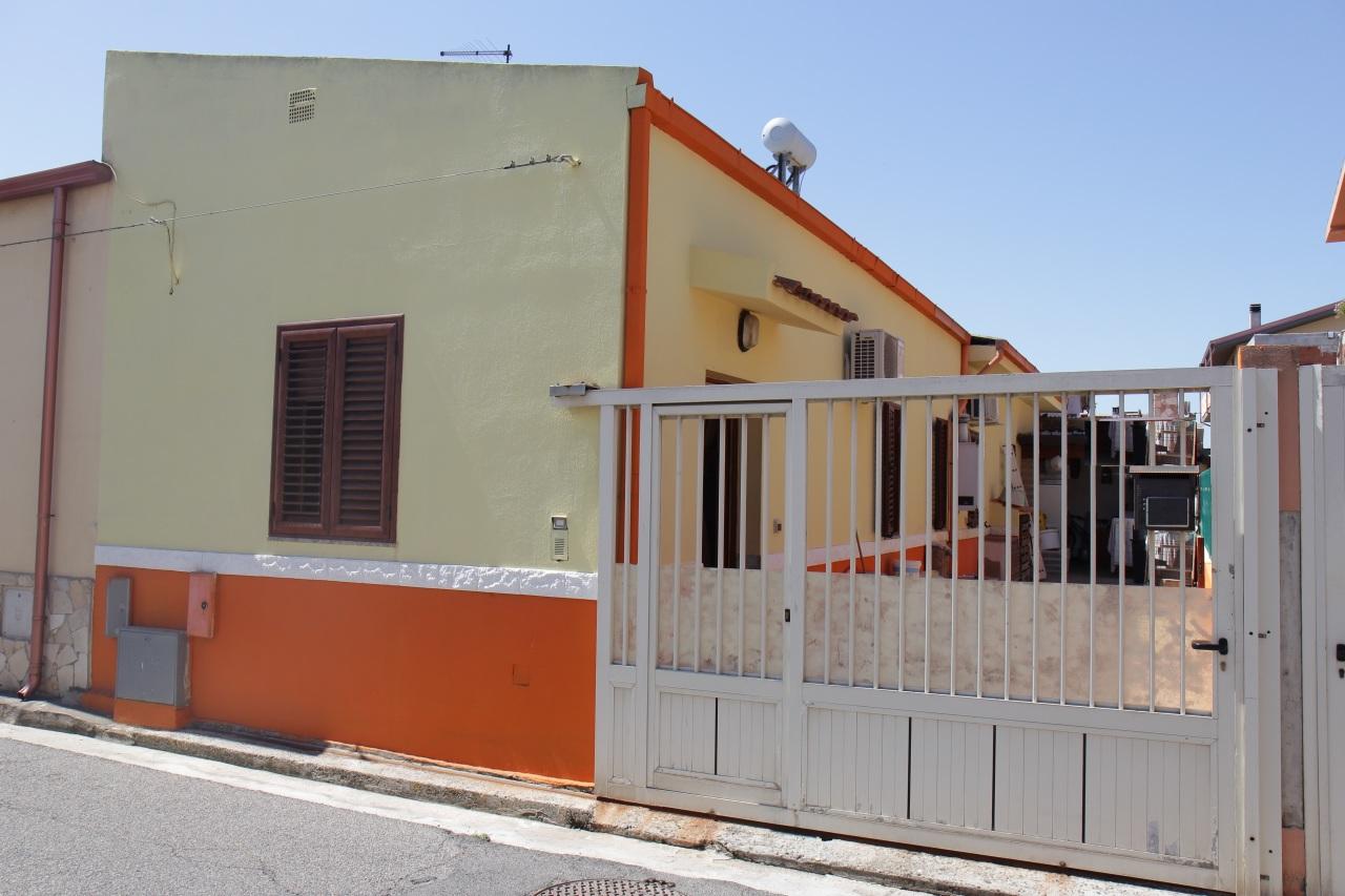 Soluzione Indipendente in vendita a Uta, 3 locali, prezzo € 97.000 | CambioCasa.it