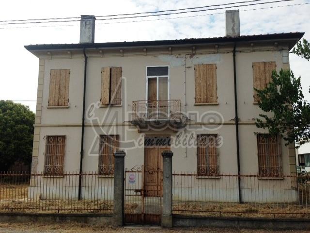 Soluzione Indipendente in vendita a Castelmassa, 8 locali, prezzo € 75.000 | Cambio Casa.it