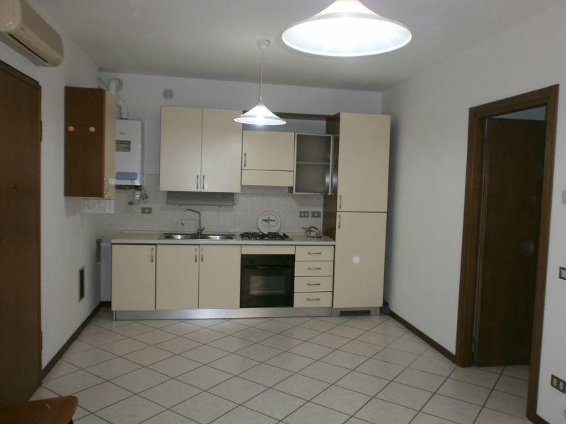 Appartamento in affitto a Lonigo, 2 locali, prezzo € 480 | CambioCasa.it