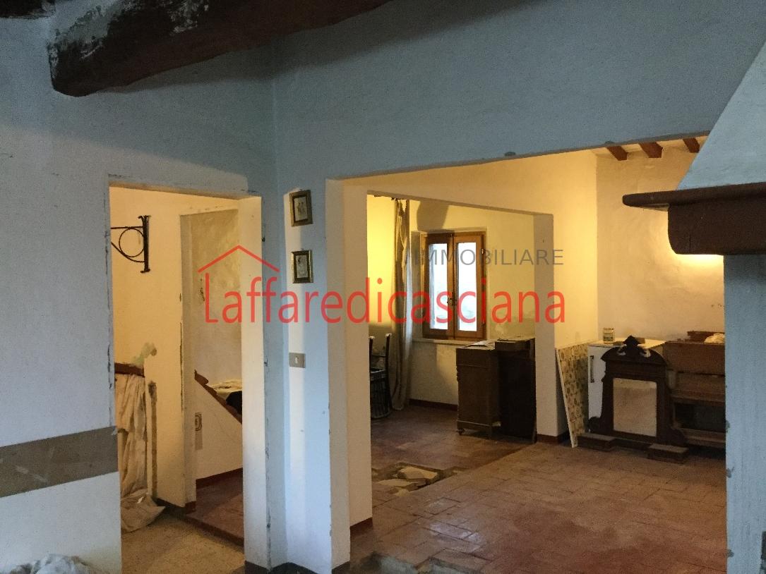 Appartamento in vendita a Chianni, 6 locali, prezzo € 77.000 | Cambio Casa.it