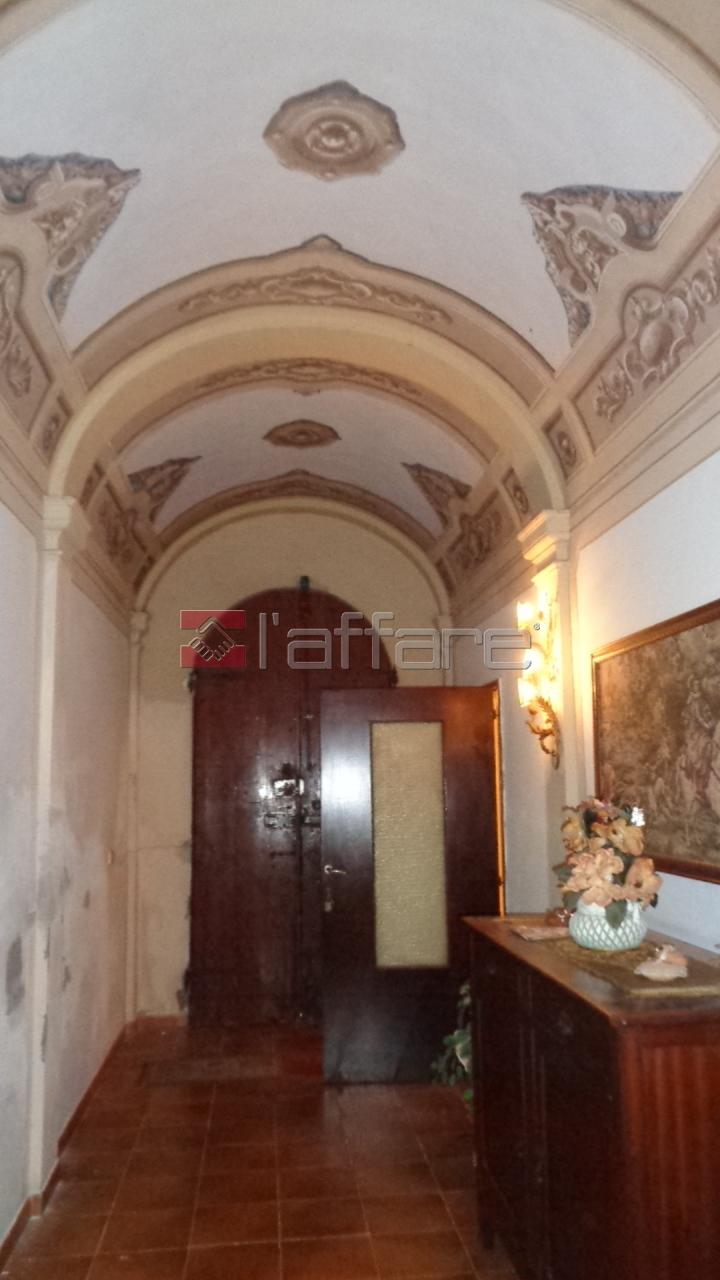 Rustico / Casale in vendita a Capannoli, 18 locali, prezzo € 290.000 | CambioCasa.it
