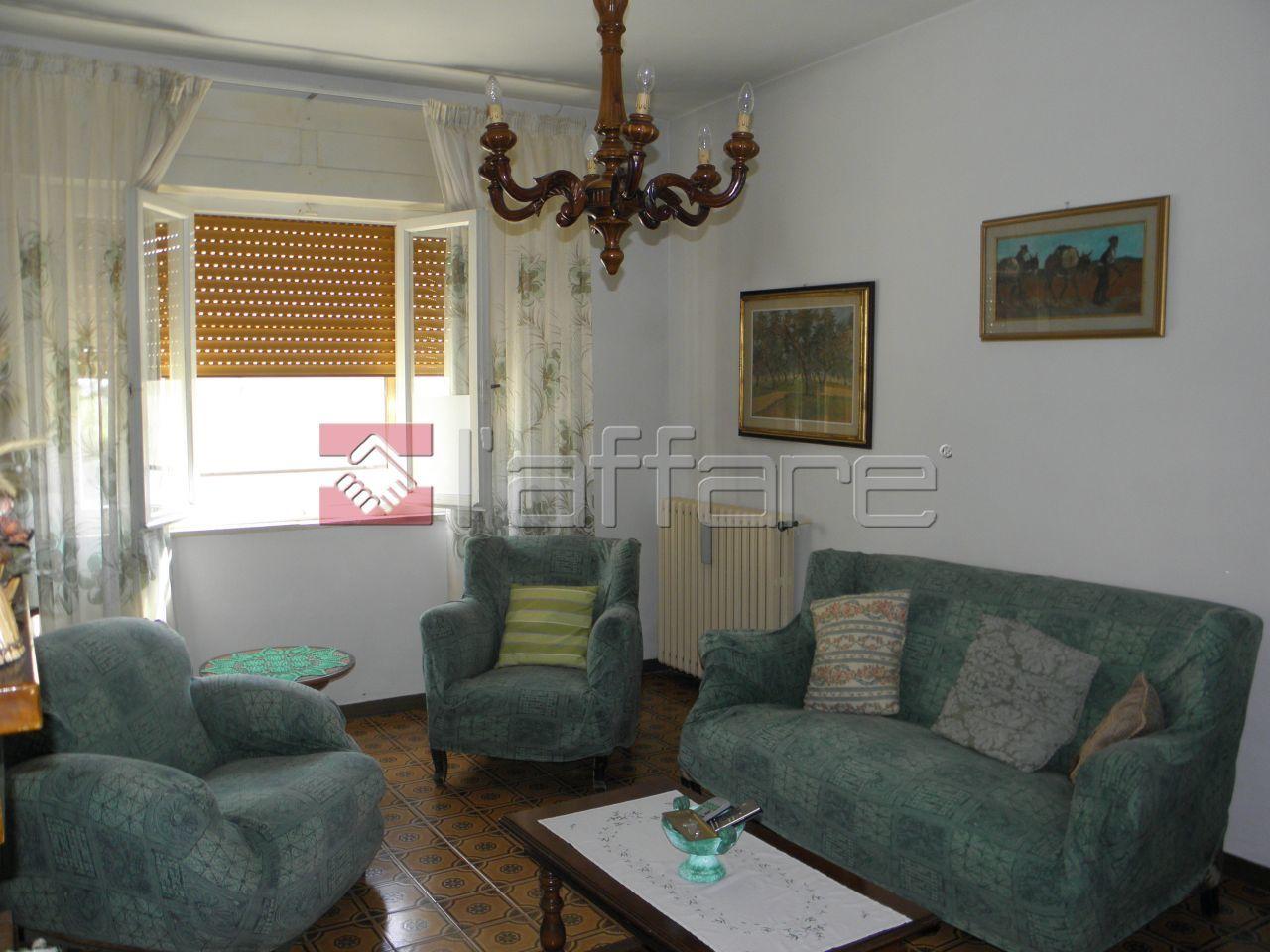 Soluzione Indipendente in vendita a Crespina Lorenzana, 7 locali, prezzo € 205.000 | Cambio Casa.it