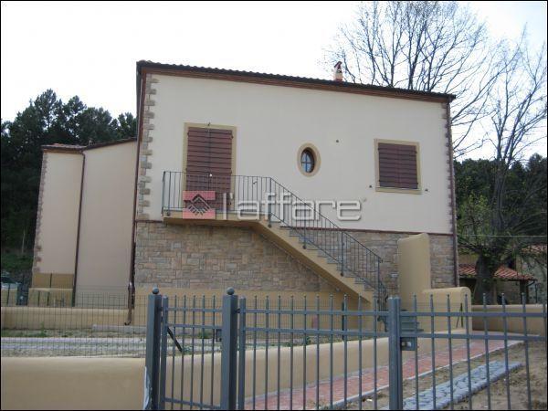 Appartamento in vendita a Chianni, 3 locali, prezzo € 129.000   Cambio Casa.it