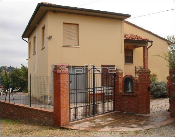 Villa in vendita a Palaia, 4 locali, prezzo € 285.000 | CambioCasa.it